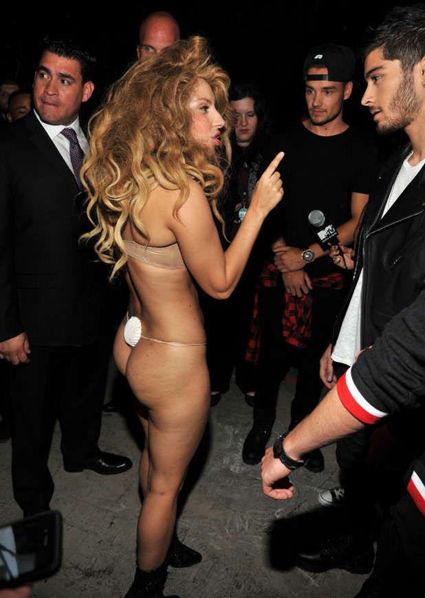 showbiz-lady-gaga-one-direction